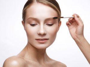 пудровые брови с помощью перманентного макияжа