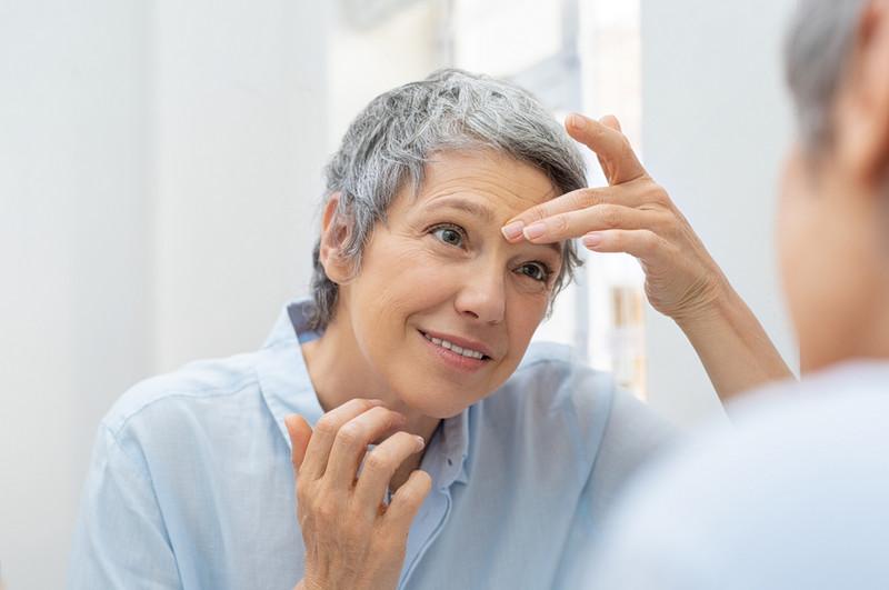 эндоскопическая подтяжка бровей помогает избавиться от морщин