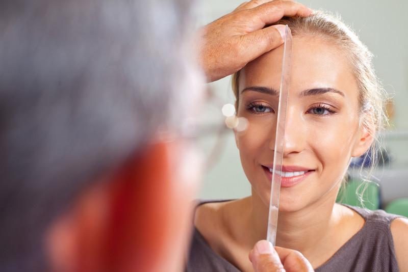 етапи процедури вирівнювання носа